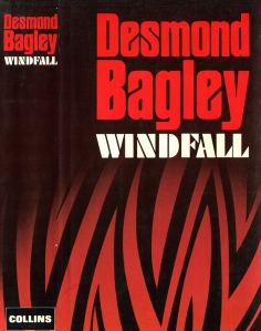 Desmond Bagley - Windfall 1982 - Cover artist: Donald MacPherson © HarperCollins Publishers.