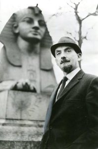 Desmond Bagley pictured at Cleopatra's Needle on the Thames embankment, London in January 1971.