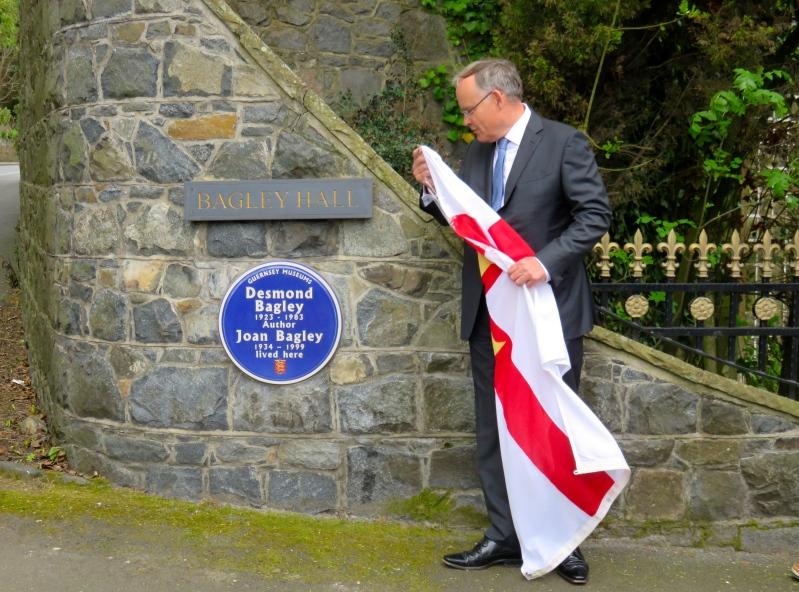 bagley-blue-plaque-unveiling-sir-richard-collas